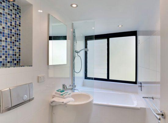 Bathroom-Little-Cove-Court--Apartment-2