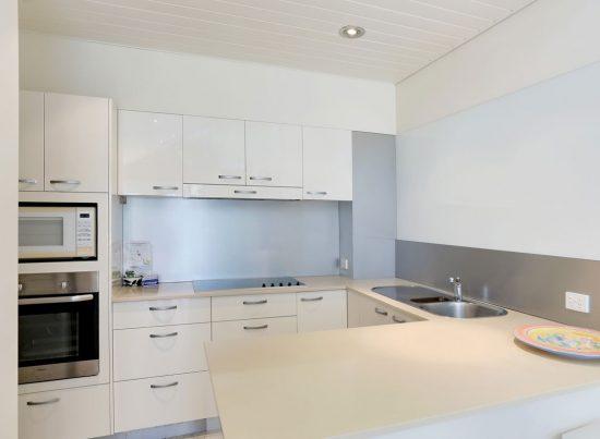 Kitchen-Little-Cove-Court-Apartment-2