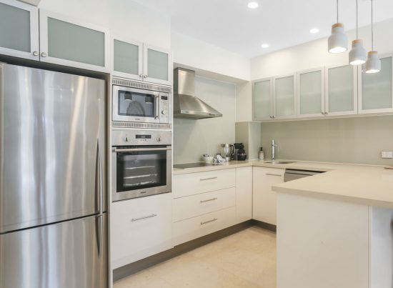 Kitchen-Little-Cove-Court-Apartment-4