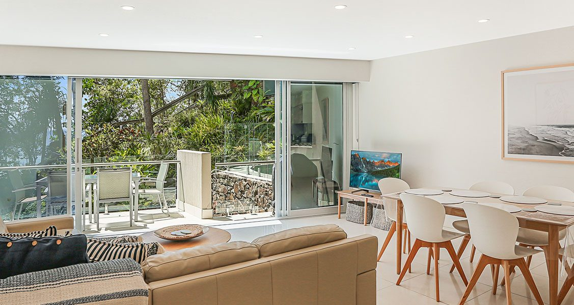 luxury noosa apartments at little cove court
