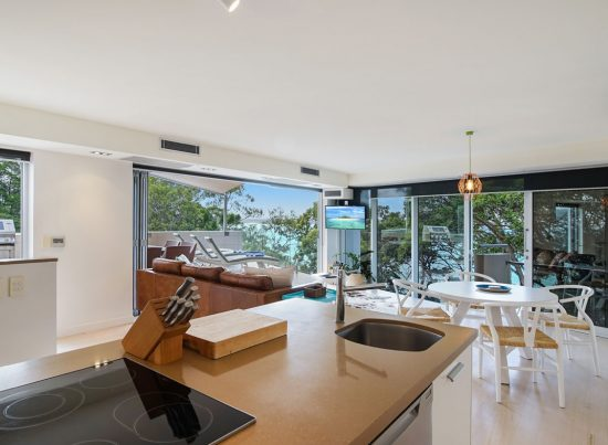 Kitchen-Little-Cove-Court-Apartment-9