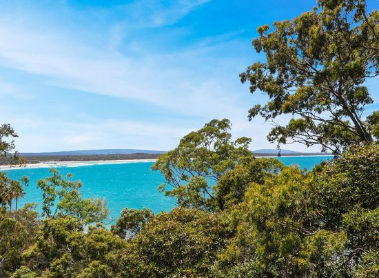 Little Cove Court Apartment 12 stunning view